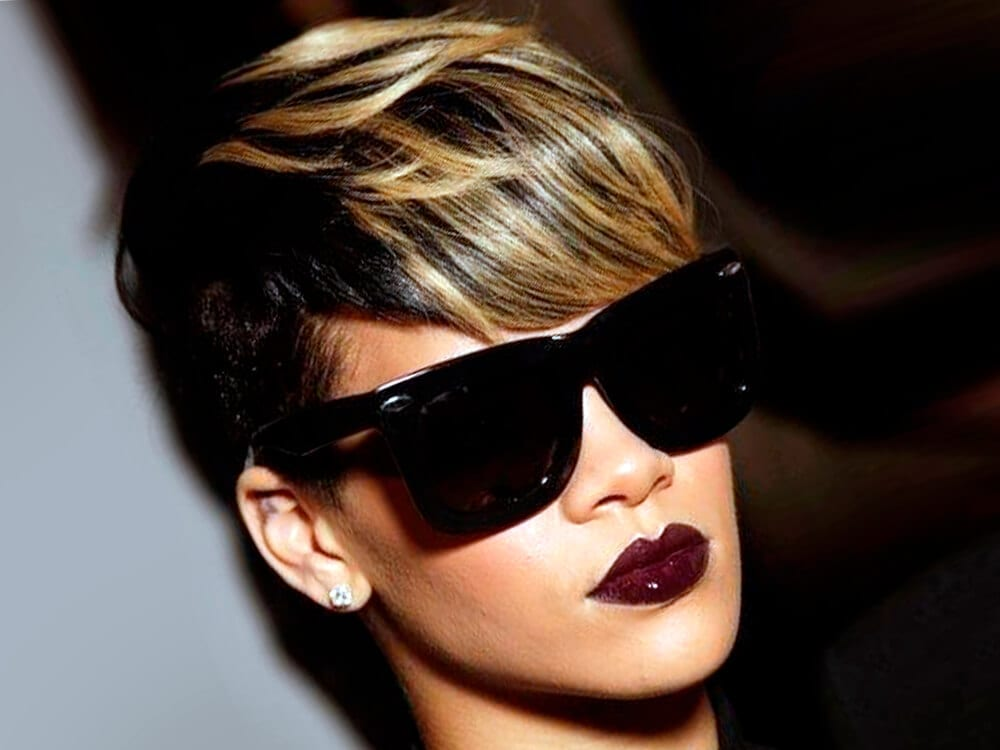 A short-hairstyle girl with sunglasses.