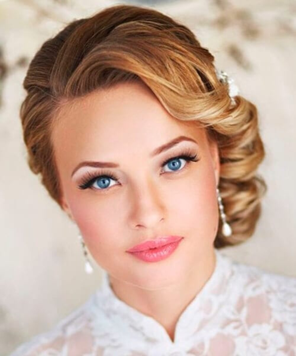 Hairstyle for a wedding inspired by 1920s – 1940s look