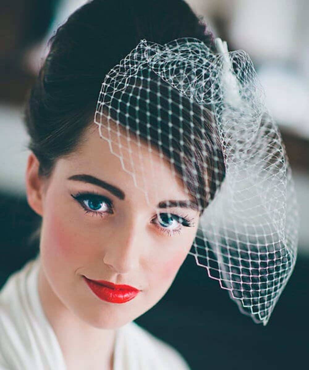 Hairstyle for a wedding inspired by 1950s – 1960s look