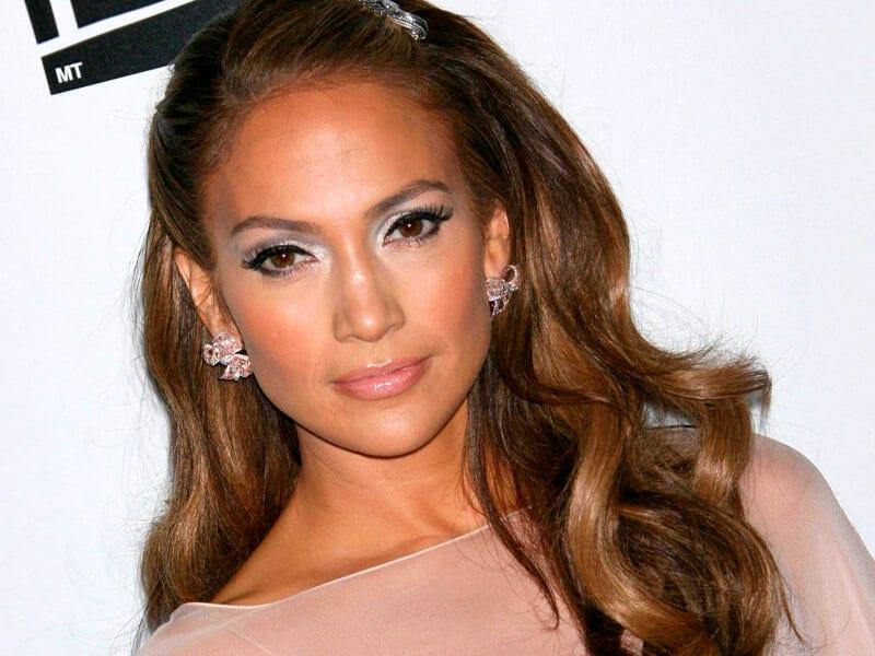 Recently hairstyle of Jennifer Lopez