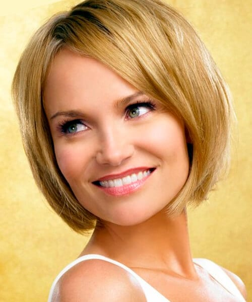 Cute easy hairstyle for short hair, stacked bob