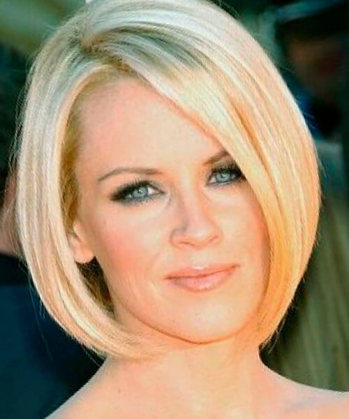 Layered short hairstyles for thick hair and oval face