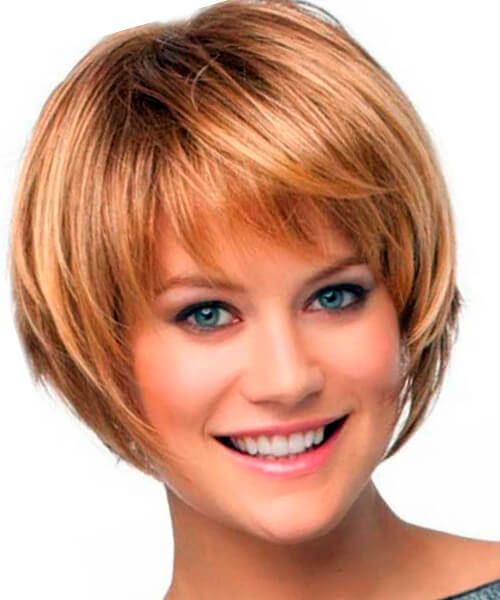 Short layered bob hairstyle for fine hair