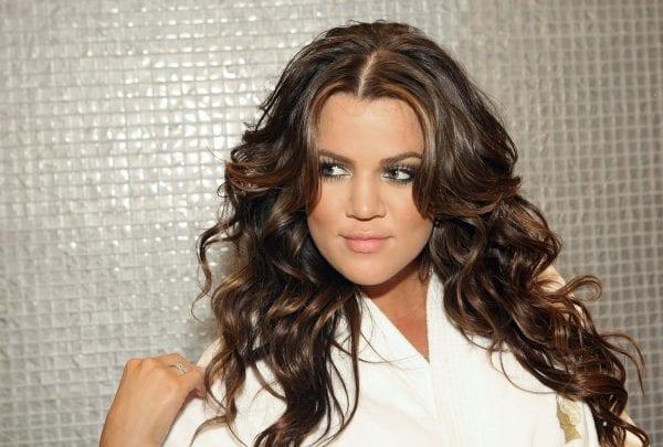 Deep wispy bangs summer hairstyle for medium hair