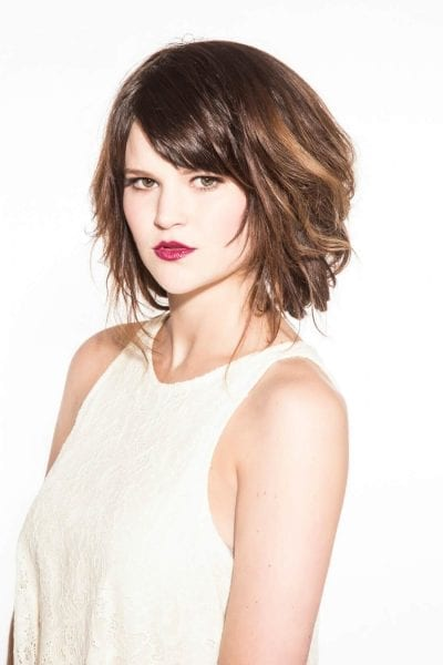 Voluminous lob summer hairstyle for medium hair