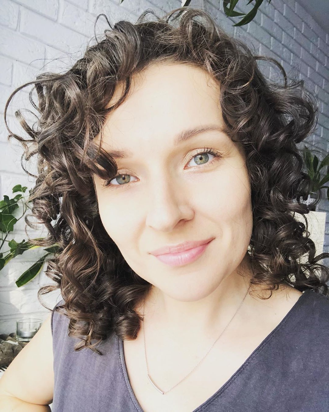 curly permed hairstyle for black hair