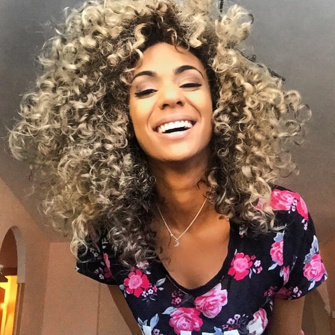 natural texture wavy brown hair with highlights for black girls