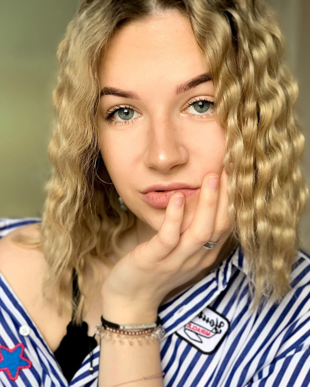 short wavy hairstyle for blondees