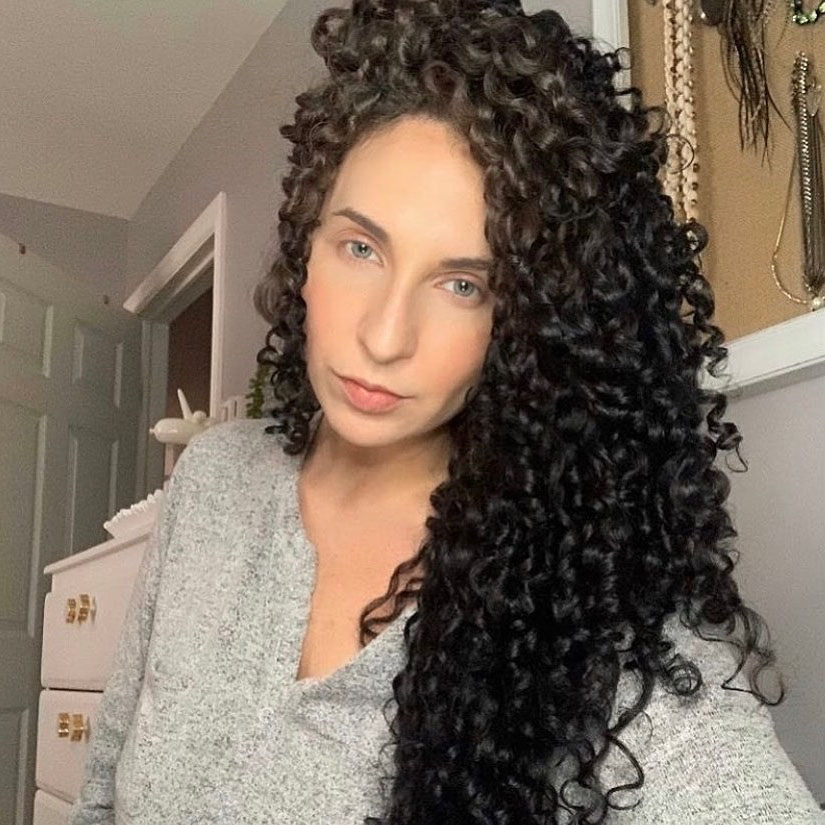 Great Long Black Hairstyle for Naturally Curled Hair