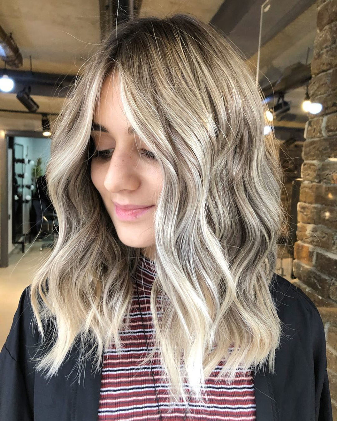 Long Wavy Bob Hairstyle of Platinum Blonde Color