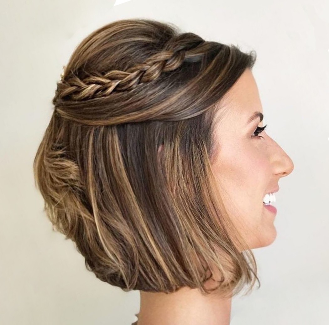 Short Wavy Bob Hairstyle with Cute Braids