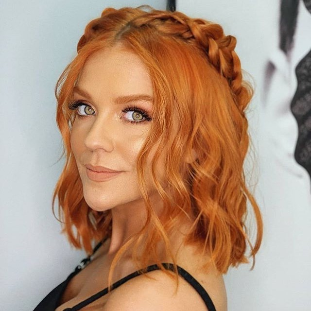 Short Wavy Hairstyle for Girls Who Love Braids