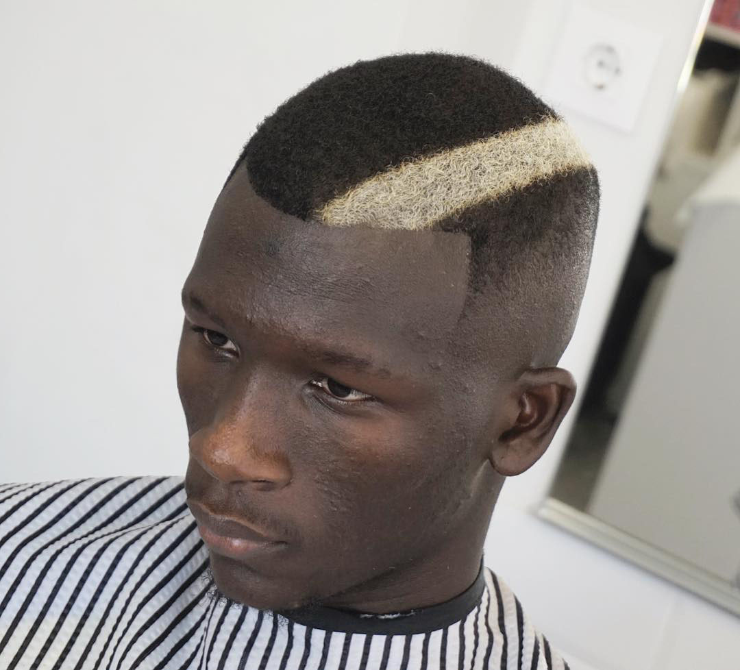Short Black Hairstyle with Blonde Line
