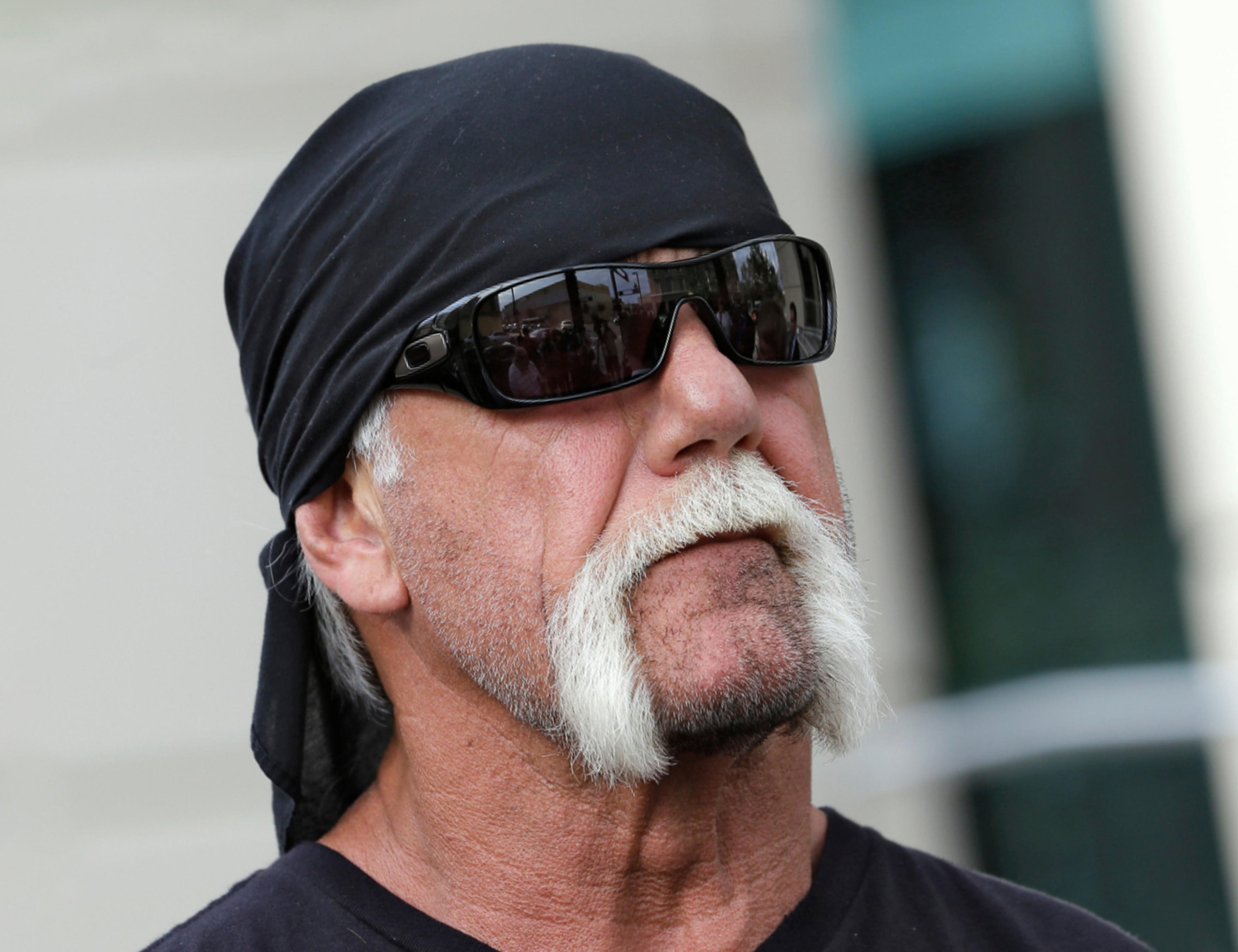 Handlebar mustache in the style of Hulk Hogan.