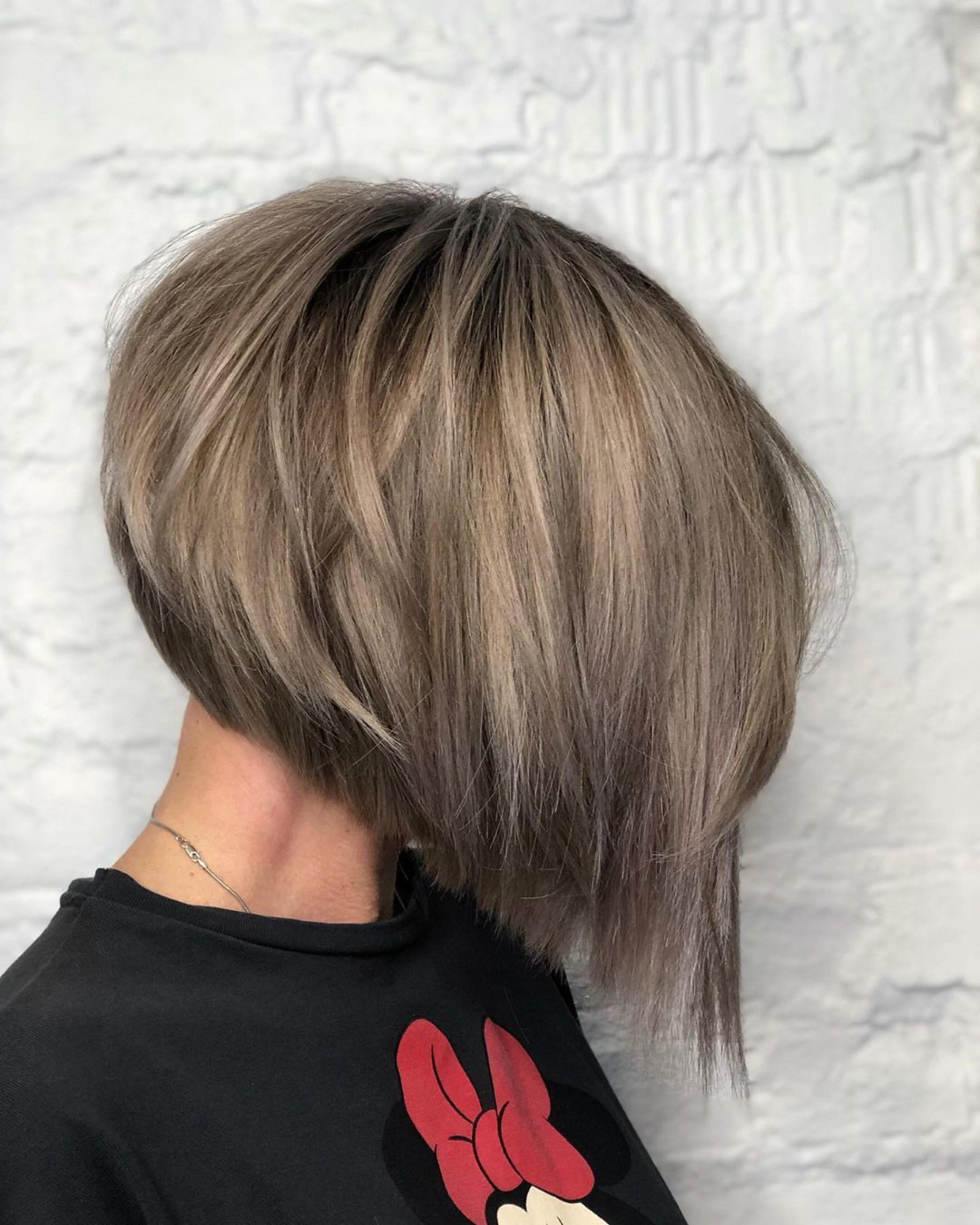 A popular layered bob haircut.