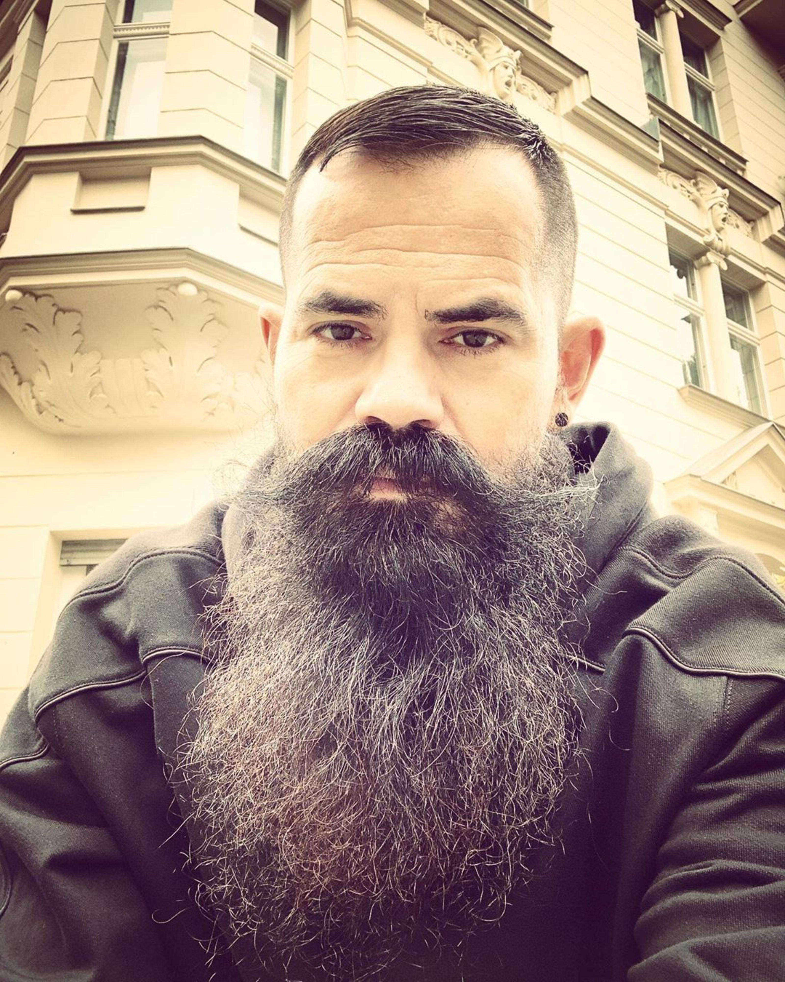 A long beard for Asian men.