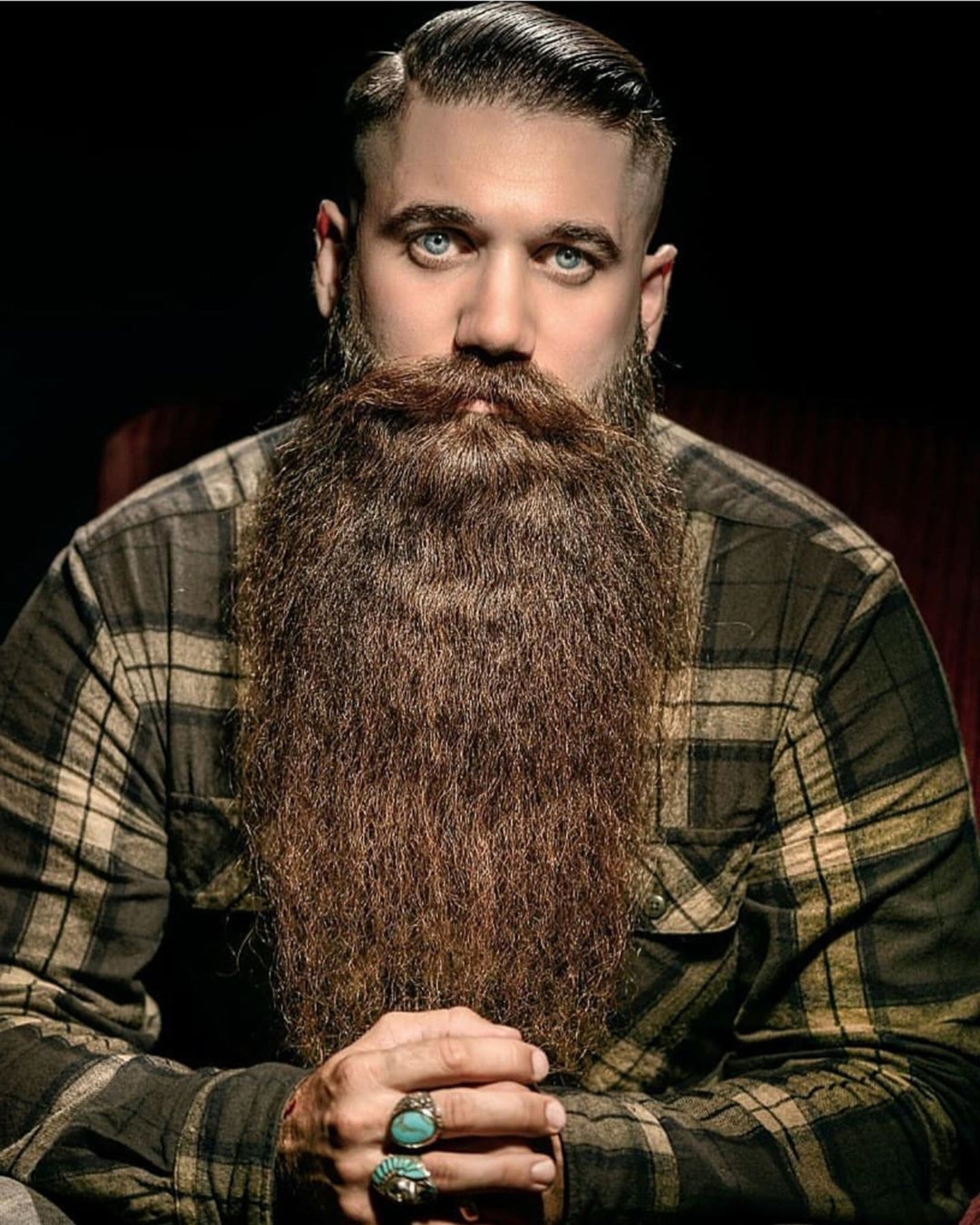 A long beard like Santa has.