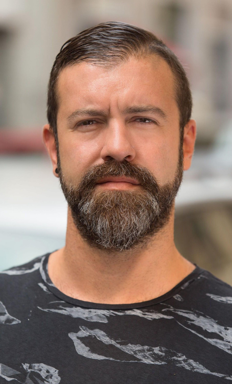 A full goatee beard style.