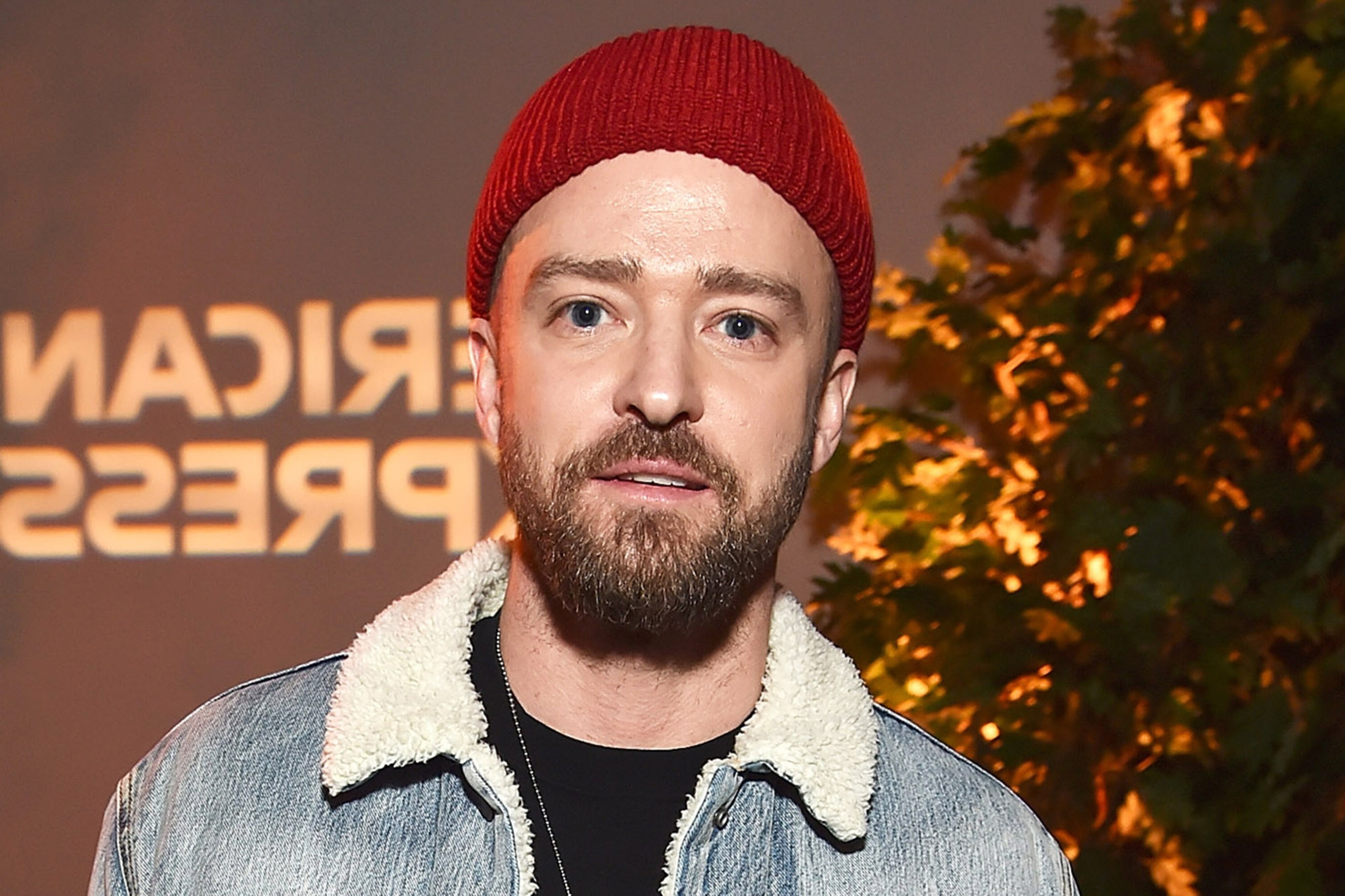 A full beard in the style of Justin Timberlake.