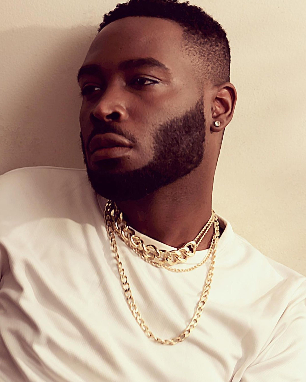 A short beard for elegant black men.