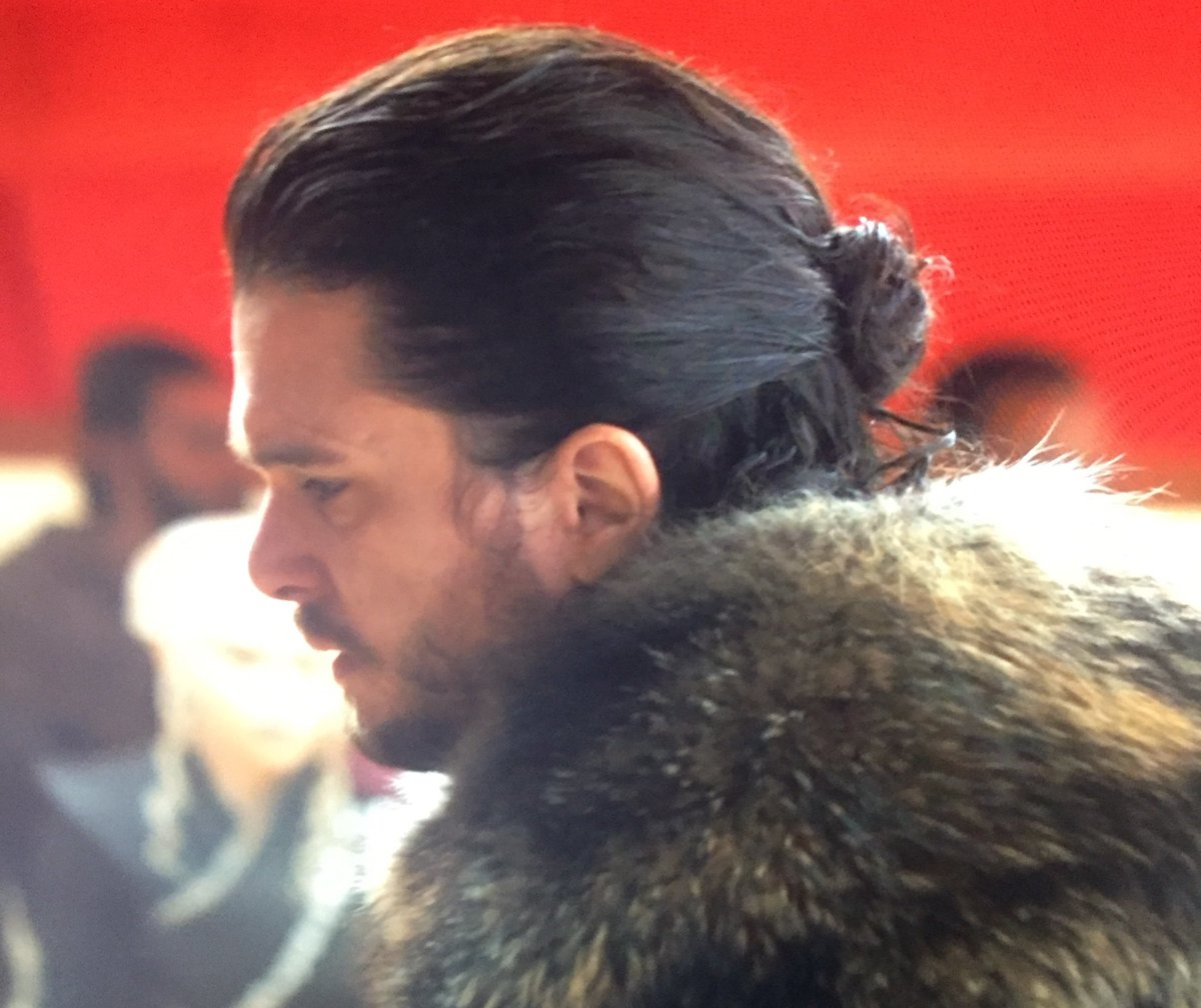 Jon Snow male bun hairstyle.