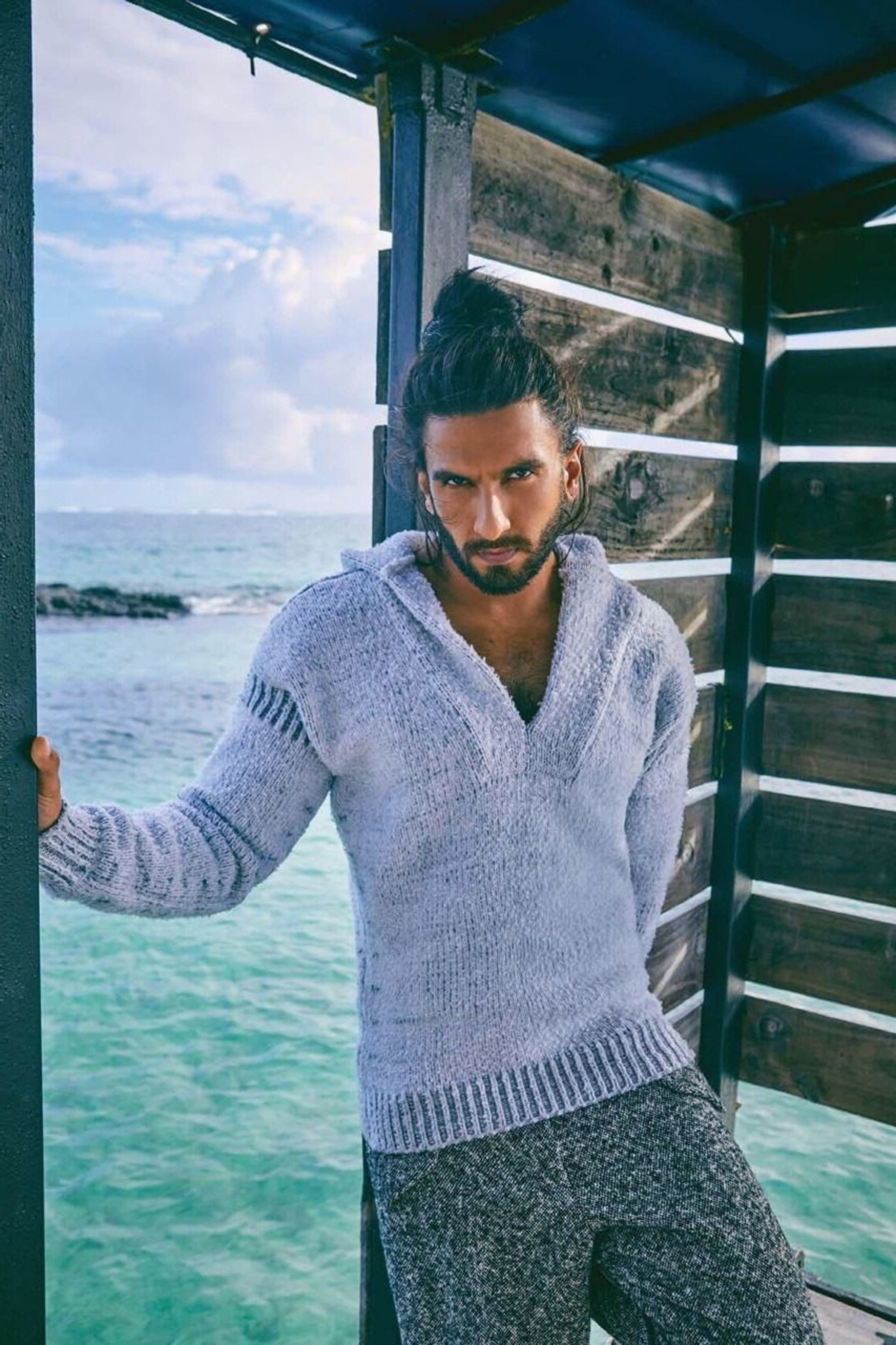 Ranveer Singh male bun style for perfect vacation.